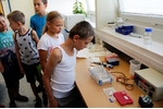 Věda nás baví 2017 - gelová elektroforéza Věda nás baví 2017 - gelová elektroforéza